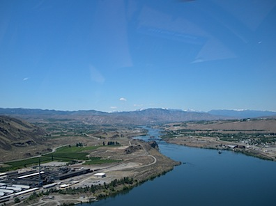 Approaching Wenatchee from Downriver