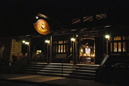 El Tovar Entrance