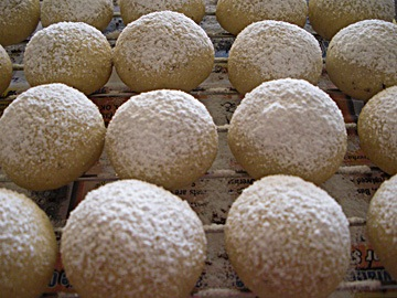 Snowballs Dusted with Sugar