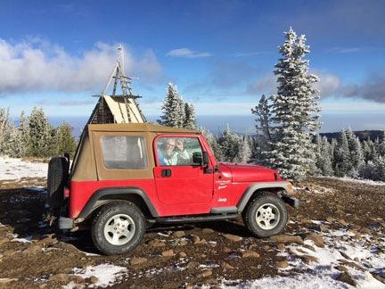 Dognaldo in the Jeep