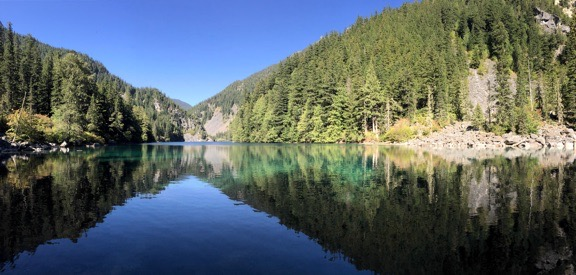 Lindeman Lake Pano